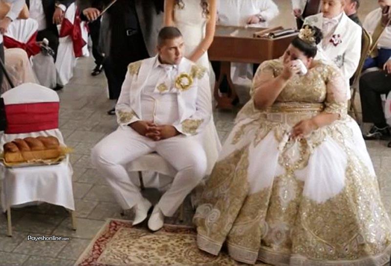 باس عروس ۶۰۰ میلیون تومانی این عروس چاق !!+عکس عروس چاق دختری ۱۹ساله و اهل اسلواکی که از اضافه وزن زیادی رنج می برد عروس شد و لباس عروس وی که طلاکاری شده بود حدود ۶۰۰ میلیون تومان قیمت داشت. عروس ۱۹ ساله و داماد ۲۰ ساله بودند و عروسی آنها ۴روز به طول انجامید. […]