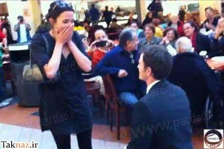 خواستگاری جالب این مرد از دختر مورد علاقه اش ! (+عکس) مجموعه : مطالب جالب و خواندنی یک مرد خوش ذوق کانادایی برای روز خواستگاری اش یک رستوران را انتخاب کرد. او حلقه نامزدی اش را درون نان ساندویچ مرغی که زن مورد علاقه اش آن را سفارش داده بود قرار داد. این عروس جوان […]