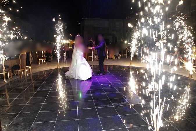 نکات کلیدی برای اجرای بهتر رقص عروس و داماد در تاریخ: ۲۷ تیر ۱۳۹۶در: عروسیبدون دیدگاه یکی از زیبایی های شیرین در مراسم عروسی،رقصیدن عروس و داماد به تنهایی یا در جمع مهمان های عروسی است. مطمئنا از چند روز قبل از مراسم عروسی هر دوی شما به دنبال جدیدترین موزیک ها، ترانه ها هستید […]