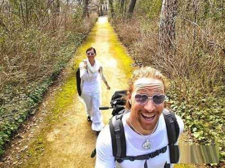 زوجی که هر جا برسند ازدواج می کنند!!!  یک زوج امریکایی به نام های چیتا پلات ۳۰ ساله و ریان وودیارد ۳۲ ساله تصمیم گرفتند مراسم ازدواج خود را تا جایی که می توانند در کمتر از ۹۰ روز در نقاط مختلف دنیا برگزار کنند.  به گزارش ایران ناز این زوج ماجراجو سال […]