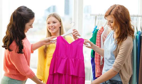 نحوه انتخاب لباس مجلسی بر اساس رنگ پوست و فرم بدن پیشنهادهای ویژه انتخاب یک لباس شب کار ساده و راحتی نیست بلکه بستگی به ظاهر و فرم بدن شما دارد . اگر میخواهید در یک مهمانی ، زیبا ، تک و شگفت انگیز باشید با ما همراه شوید ، تا توضیحات جالبی در رابطه […]