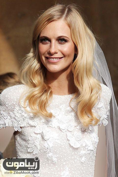 زیباترین عروس های جهان در طول تاریخ بزرگنمایی دسته: سلبریتیتاریخ نگارش: ۵ شهریور ۱۳۹۶ – ۱۴:۱۰ ۵ تعداد رایدهندگان:۸۸۹۲ زیباترین عروسهای جهان در طول تاریخ کدامها هستند؟ کدامیک از سلبریتیها، مدلهای معروف و خانوادههای سلطنتی جزو این لیست هستند؟ تمام عروسها در روز عروسیشان به دنبال داشتن بهترین و زیباترین استایل، میکاپ و مدل مو […]