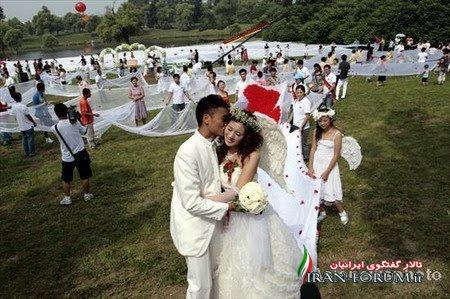 تصاویری از بلند ترین لباس عروس جهان مجموعه :تصاویر گوناگون طولانی ترین لباس عروس جهان به طول بیش از ۲ کیلومتر – این عروس چینی امیدوار است با این لباس خود رکورد طولانی ترین لباس دنیا را با بیش از ۲٫۰۰۰ هزار متر بشکند .مراسم عروسی روز پنجشنبه و در شمال شرقی چین در حالی […]